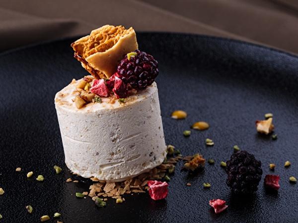 White Chocolate & Nougat Parfait